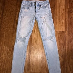 American eagle minor ripped jeans